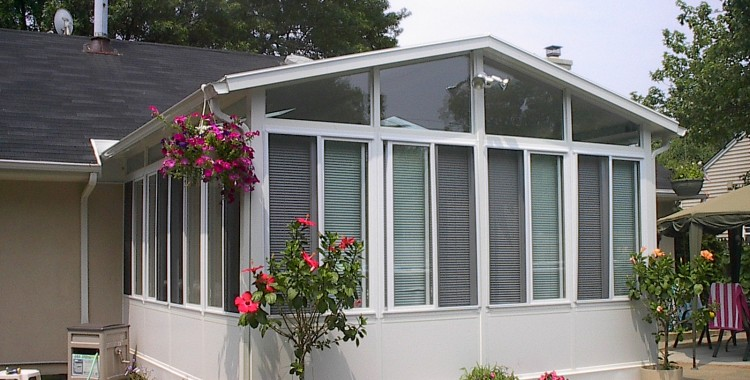 10x10 INSULATED SUNROOM, Just $9,900.